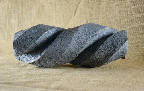 2018.1 Bruno Bienfait, torsion, terre cuite, L 32 cm.