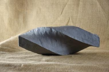 2018.8 Bruno Bienfait, torsion, terre cuite, L 28 cm.